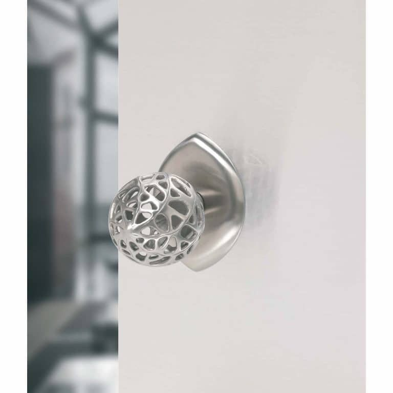 Martin-Pierce-Door-Handles-Contemporary-Passageway-Knob-768x1024-1
